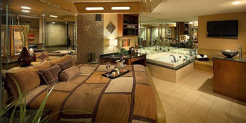 luxuryhotelroom1