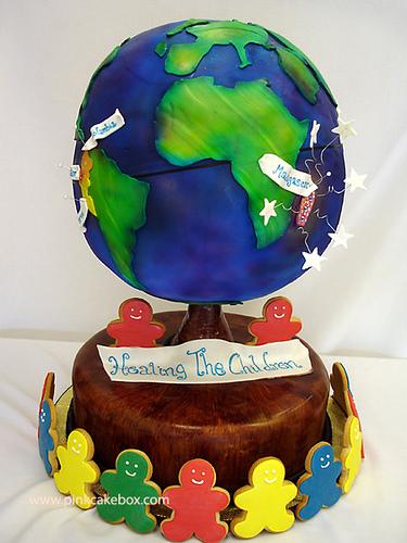 Amazing globe cake (courtesy PinkCakeBox at flickr's Creative Commons)