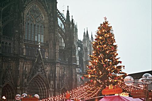Christmas market Cologne, Germany (courtesy Soundmonster at flickr CC)