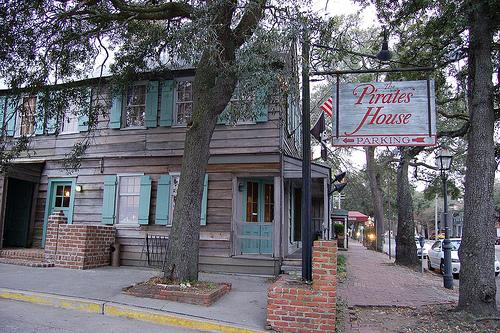 Kid-friendly Pirates' House restaurant, Savannah, Georgia (courtesy Dizzy Girl at Flickr CC)