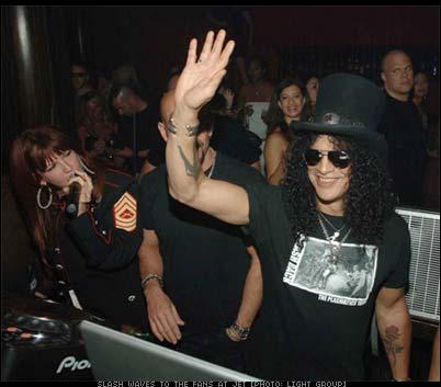 Slash of Velvet Revolver at Jet in Vegas [photo: PMG]