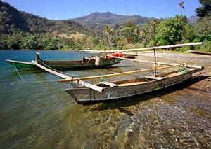 mini-floresfishingboat.jpg