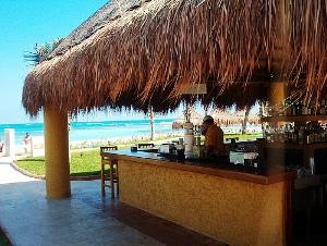cancun-bar