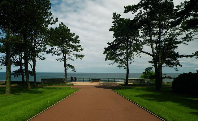 american wwii cemetery memorial omaha beach normandy