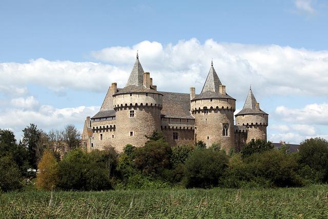 castles brittany france