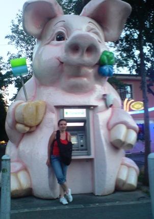 dsc00026-me-piggy-atm