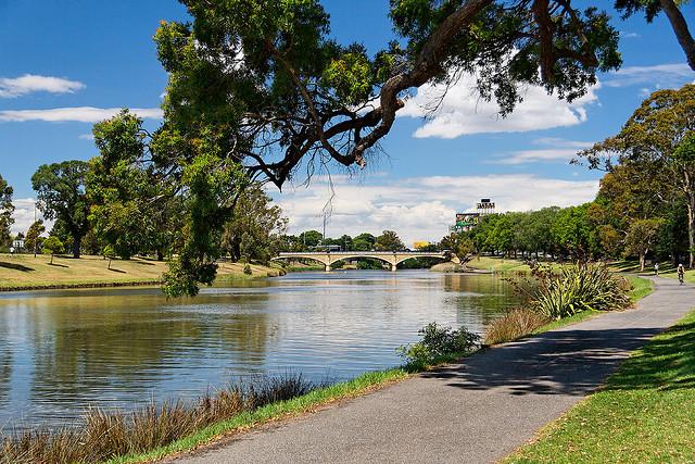 melbourne yarra bike path