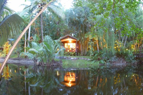 Lagoonside Bungalow Pandanus at Kewarra 2